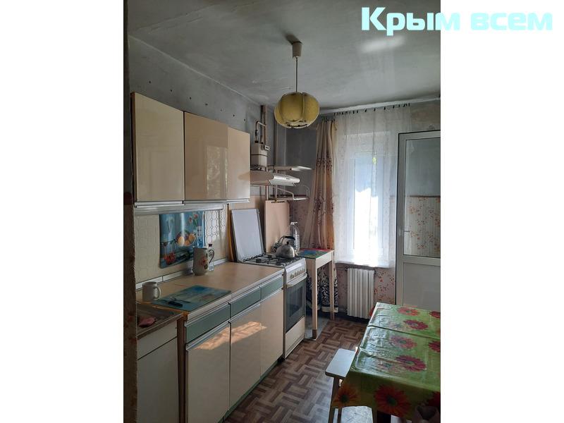 Квартира в Нахимовском районе на первом высоком этаже - 3/18
