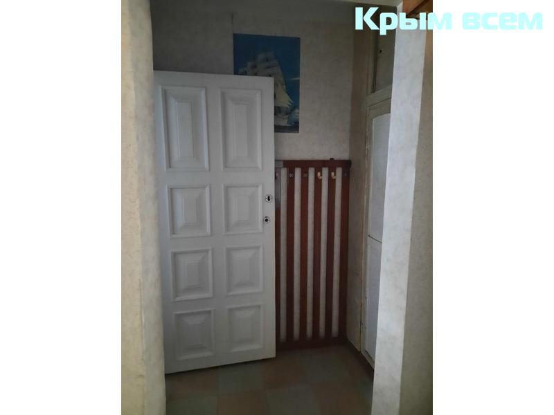 Квартира в Нахимовском районе на первом высоком этаже - 10/18